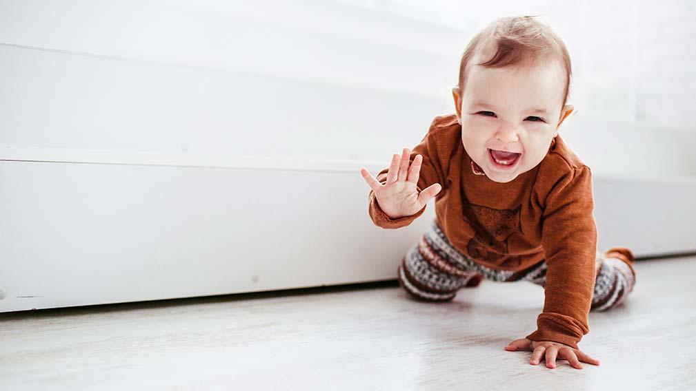 Importancia del gateo en bebés para la visión